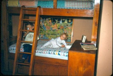 Craig and Lynn in Dad's bunkbed