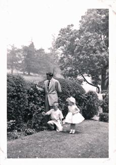 Lloyd, Craig and Lynn in front yard